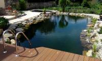 Schwimmteich (2m tief)